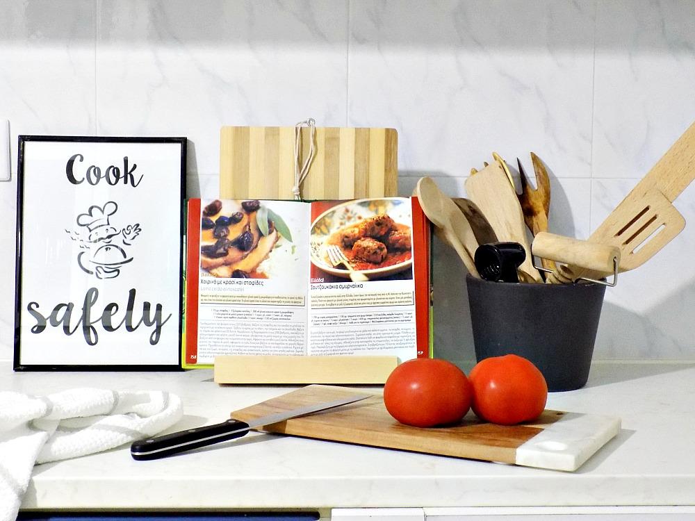 Cookbook holder diy