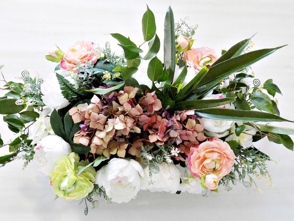 Πως να φτιάξουμε μια σύνθεση λουλουδιών με αληθινά και ψεύτικα λουλούδια