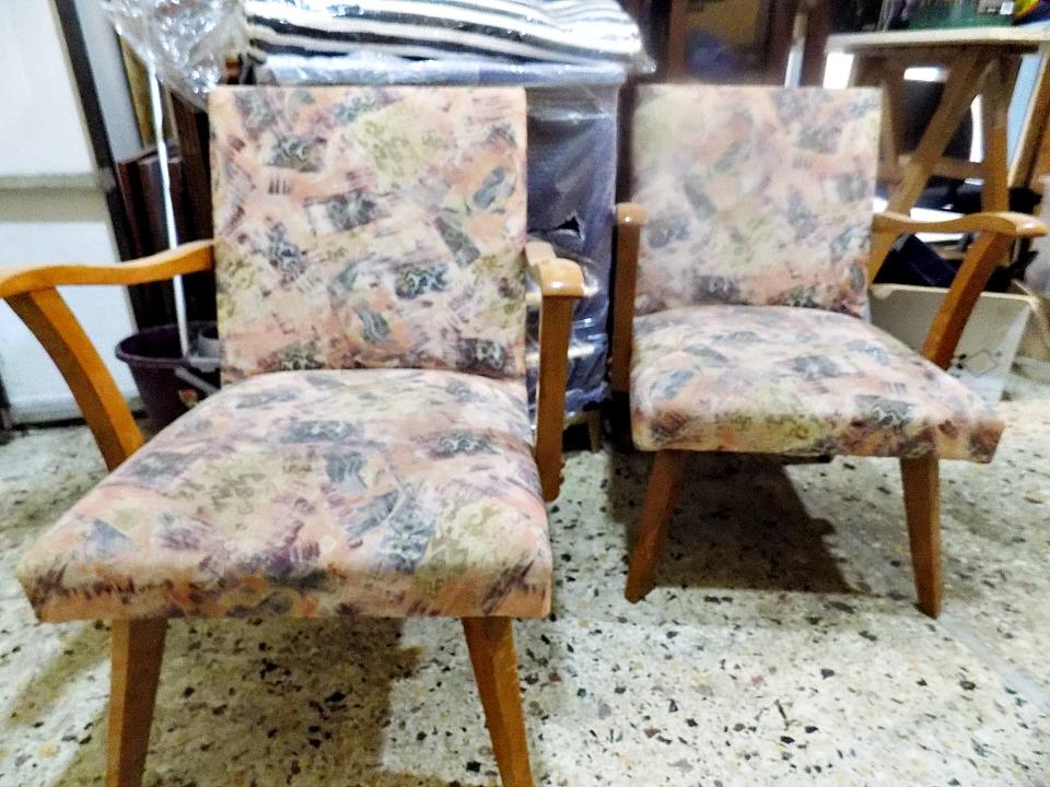 Old mid-century chairs, παλιές πολυθρόνες