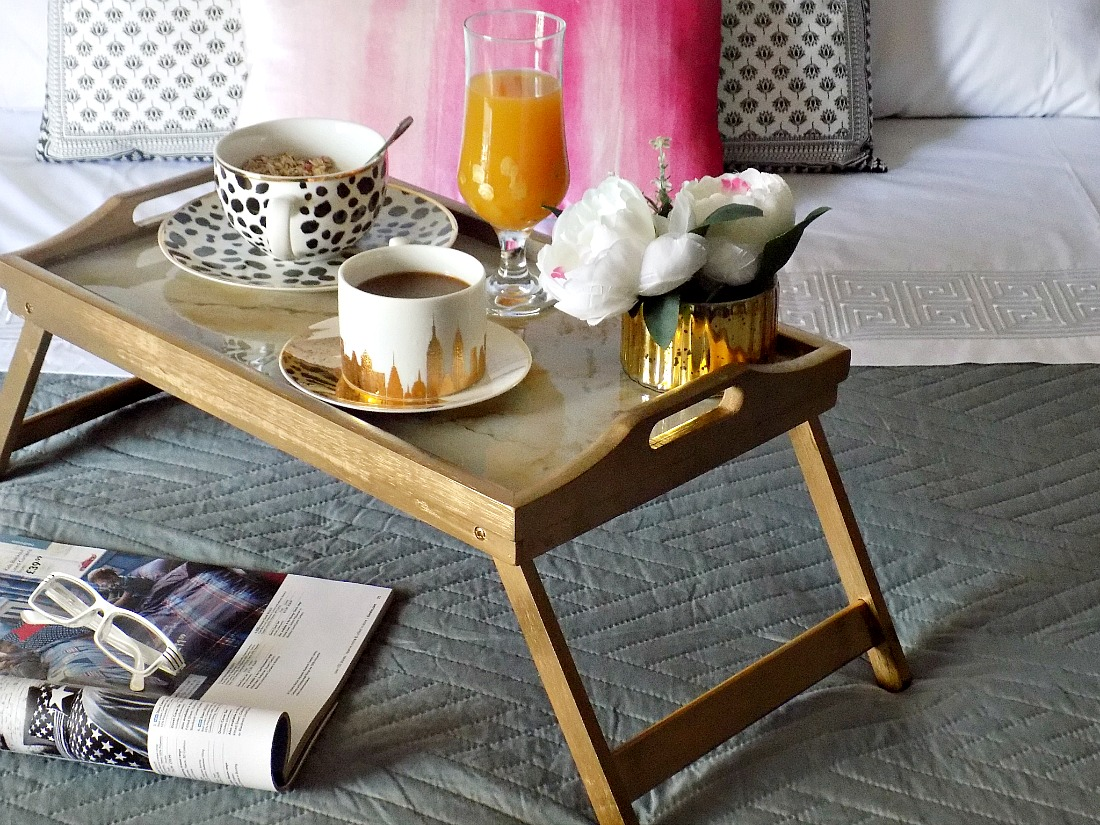Gold resin marble breakfast tray