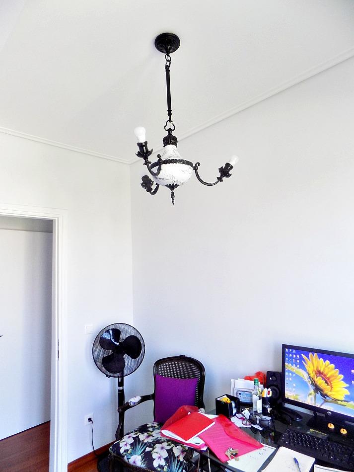 Αναβάθμιση φωτιστικού, εφέ μαρμάρου σε άσπρο και μαύρο χρώμα