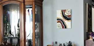 Φέτες αχάτη στον τοίχο σαν πίνακας