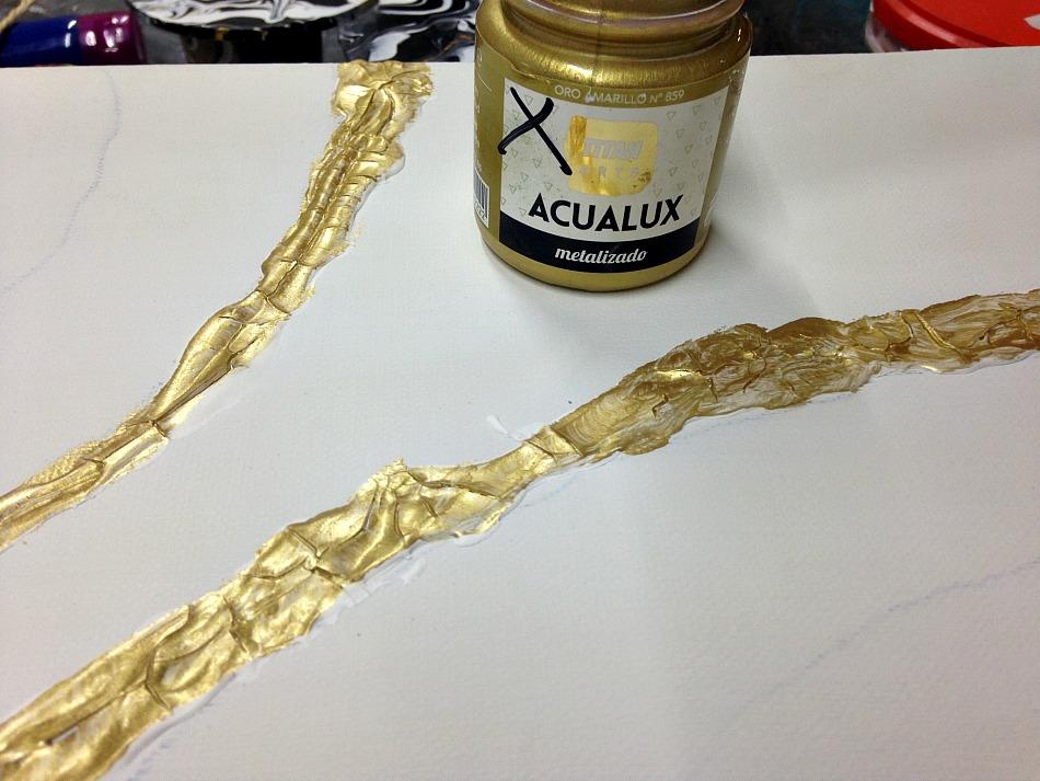 Gold crackle paint