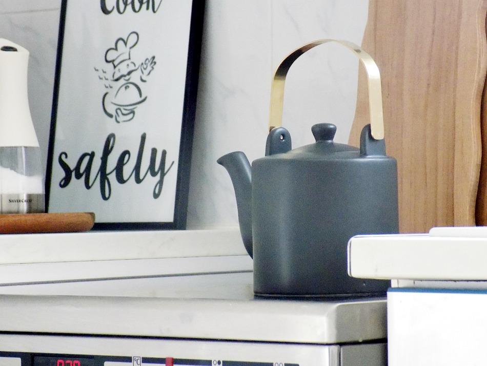 Minimal black teapot
