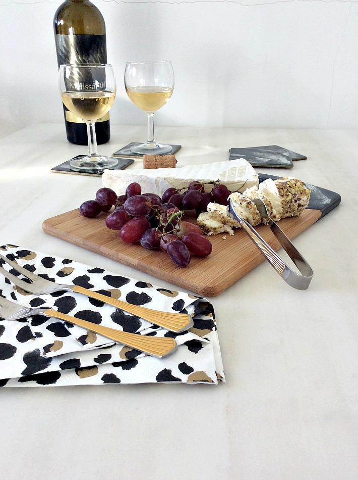 Black and white resin marble serving board diy