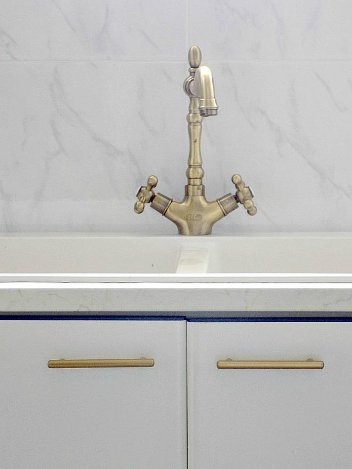 Ανακαίνιση κουζίνας στο καινούργιο σπίτι, Brass cabinet handles