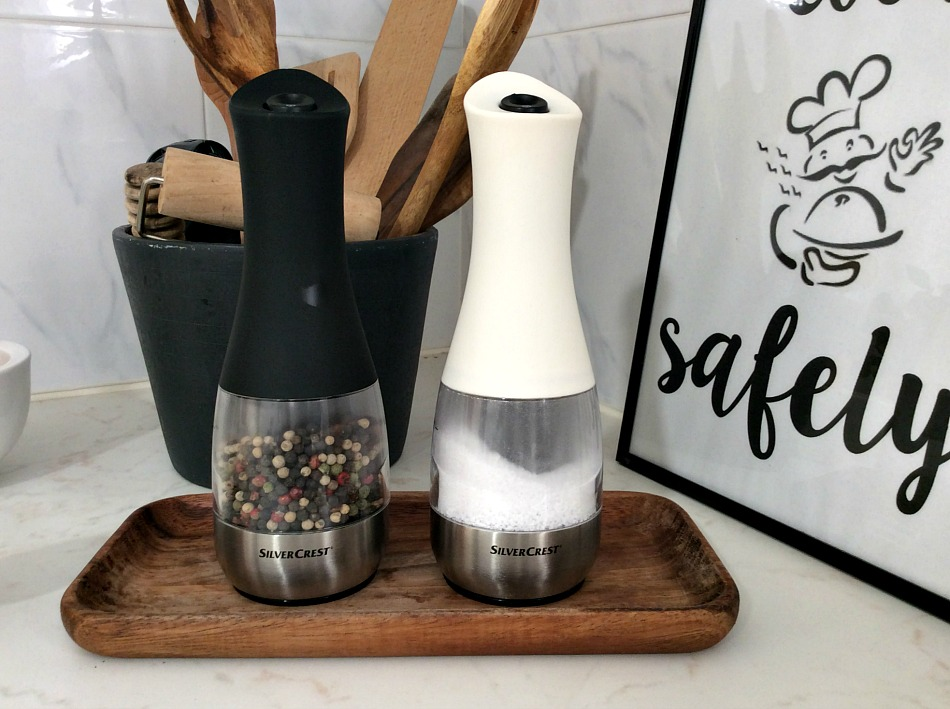 Salt and pepper appliances