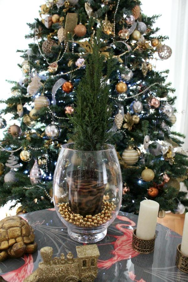 Christmas side table decor