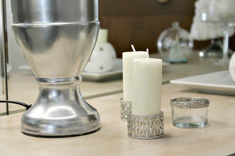 Χριστούγεννα 2015, λευκά κεριά ασημένια κηροπήγια