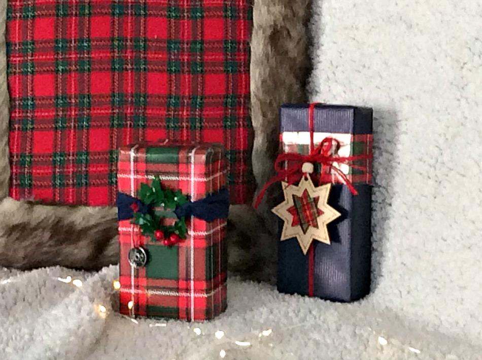 Ιδέες για το τύλιγμα των δώρων τα Χριστούγεννα, πως να τυλίξεις μικρές σε μέγεθος συσκευασίες
