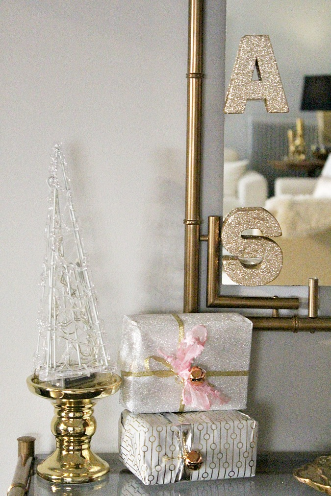 Console entry table christmas decorations