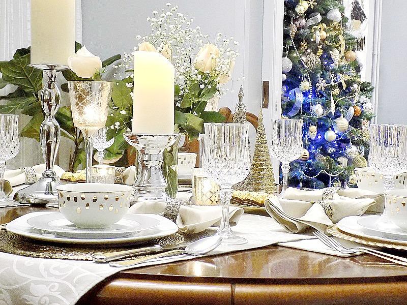 Παραμονή Πρωτοχρονιάς 2016, το γιορτινό μας τραπέζι σε τόνους χρυσό και ασήμι, κρυστάλλινα ποτήρια