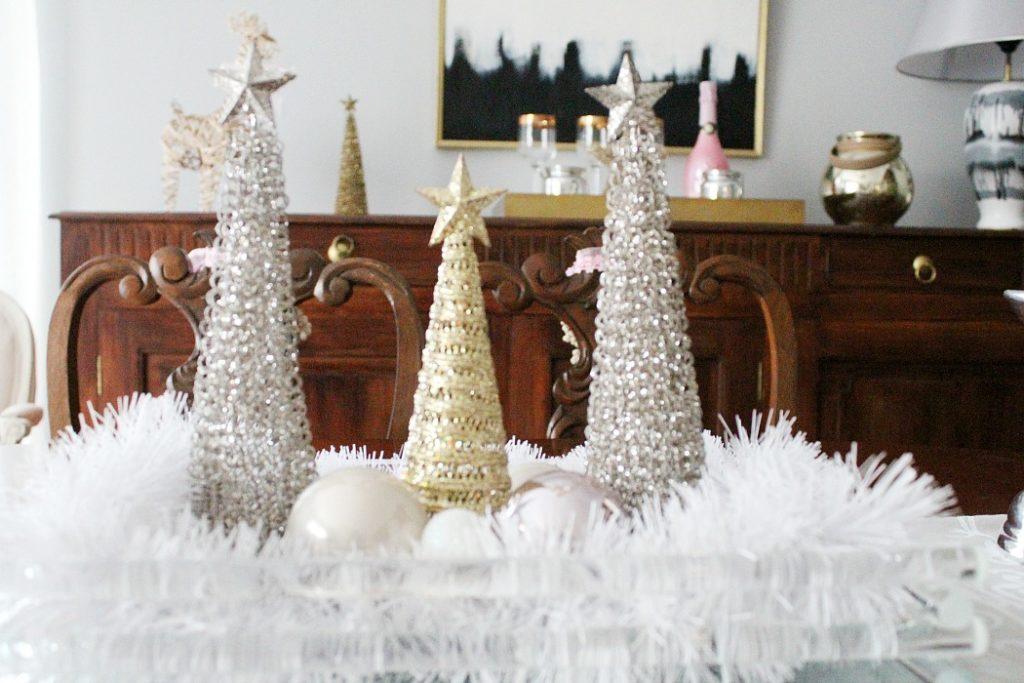 Χριστουγεννιάτικη διακόσμηση τραπεζαρίας