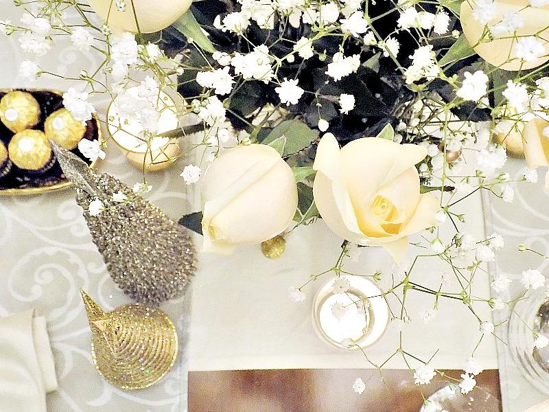 Λουλούδια στο γιορτινό μας τραπέζι