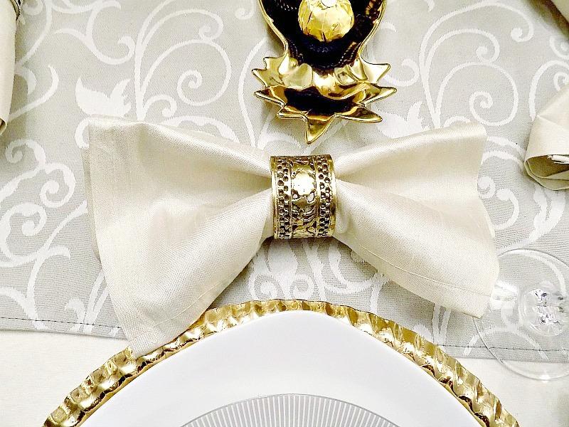 Δακτυλίδια πετσετών σε χρυσό χρώμα