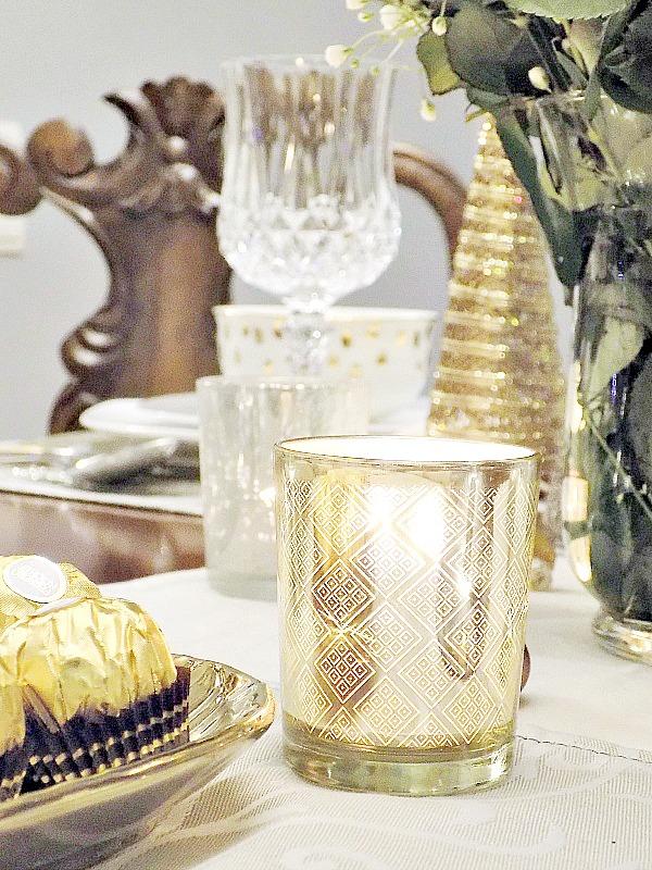 Παραμονή Πρωτοχρονιάς 2016, το γιορτινό μας τραπέζι σε τόνους χρυσό και ασήμι, κηροπήγια σε χρυσό χρώμα