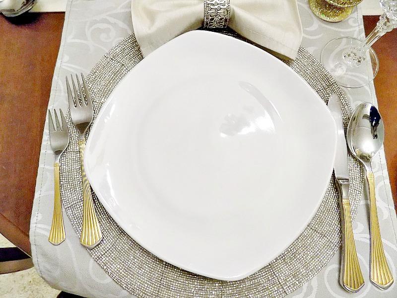 Παραμονή Πρωτοχρονιάς 2016, πως να στρώσεις το πιο λαμπερό τραπέζι της χρονιάς