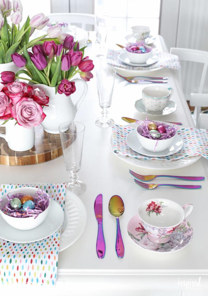 Αγαπημένα ιστολόγια Colorful spring tablescape