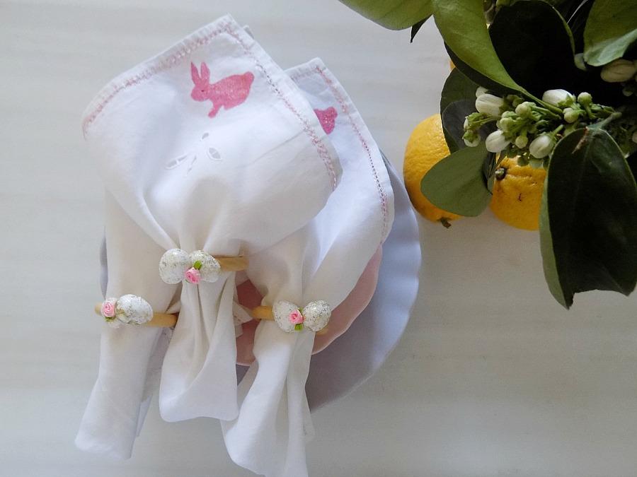 Διακόσμηση πασχαλινού τραπεζιού,, πετσέτες φαγητού και δακτυλίδια πετσετων