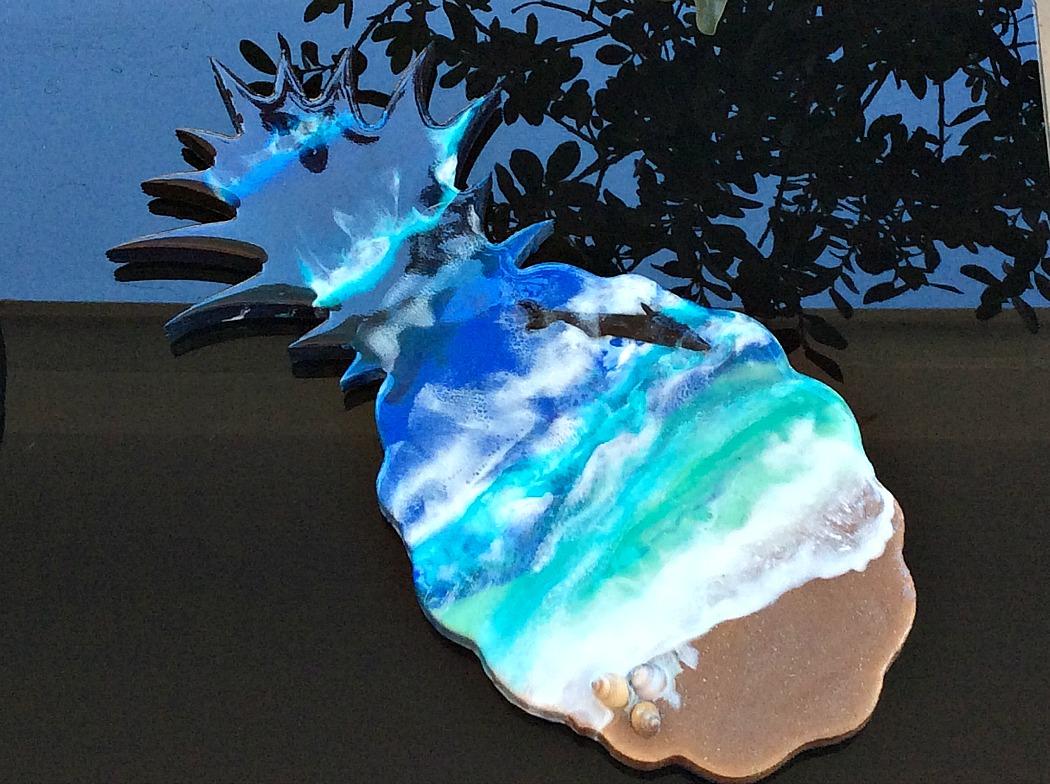 Ανανάς ο τροπικός - Beach resin art on a pineapple