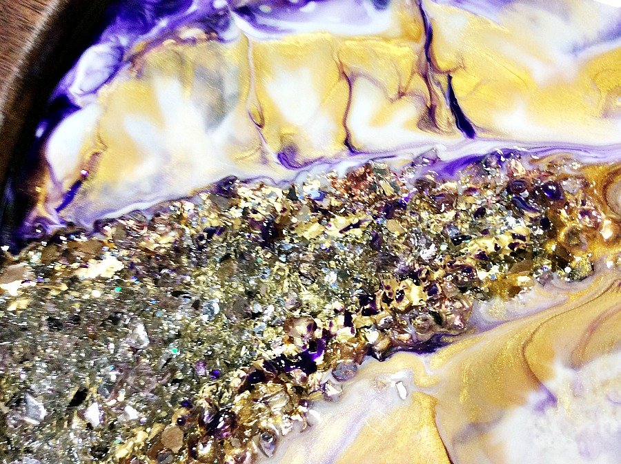 Geode resin tray with crystals