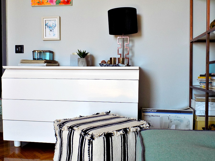 Contemporary style για το γραφείο στο σπίτι, Το γραφείο μου στο σπίτι όπως είναι τώρα, λευκή συρταριέρα