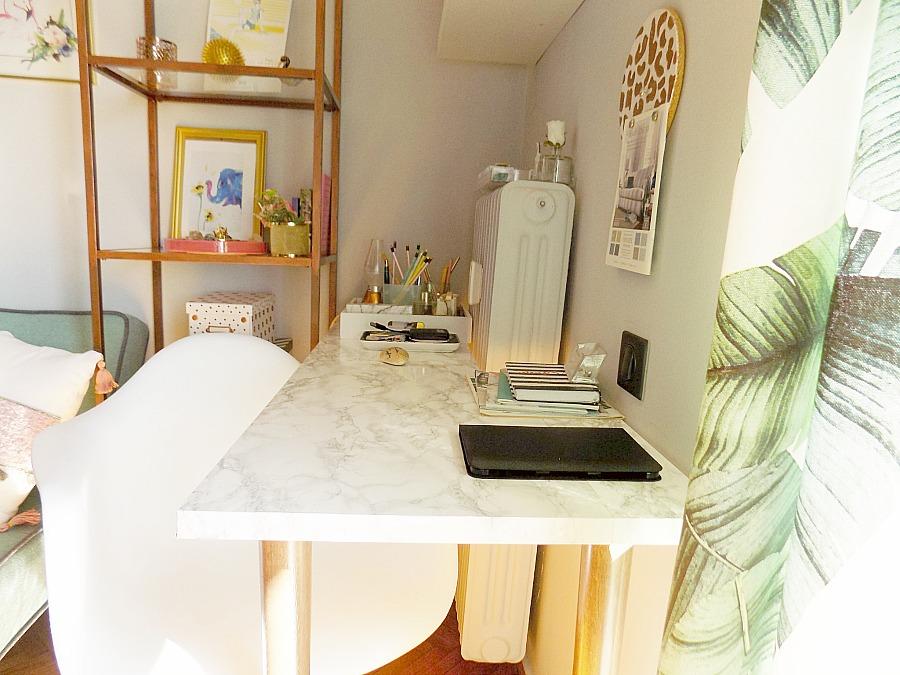 Το γραφείο μου στο σπίτι όπως είναι τώρα, η γωνιά του γραφείου