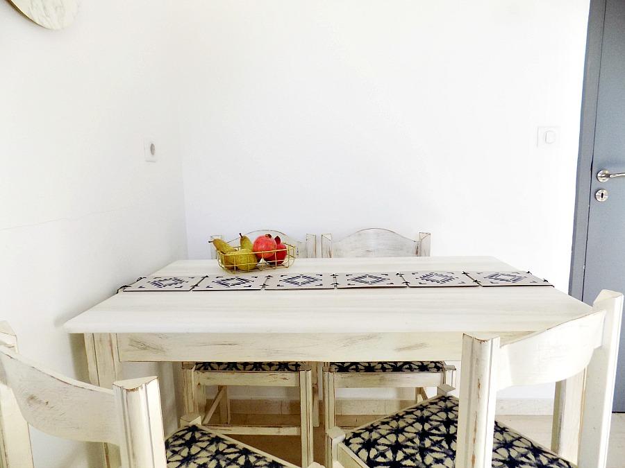 Boho ξύλινο ράνερ στο τραπέζι της κουζίνας