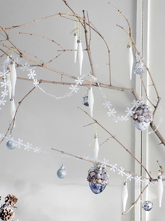 Κλαδιά δέντρου για χριστουγεννιάτικη διακόσμηση