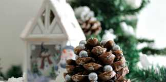 Χριστουγεννιάτικα στολίδια από κουκουνάρια diy