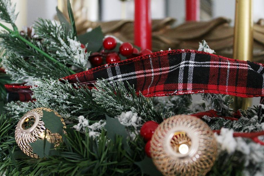Christmas mantel decorations | Χριστουγεννιάτικη διακόσμηση στο τζάκι