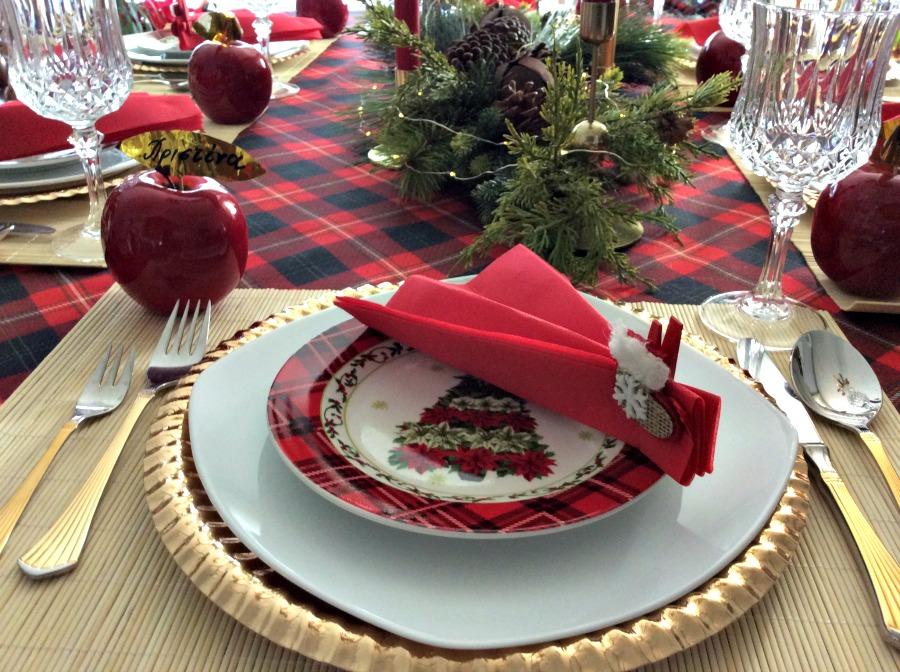Πως να ετοιμάσω ένα όμορφο τραπέζι για την παραμονή Πρωτοχρονιάς
