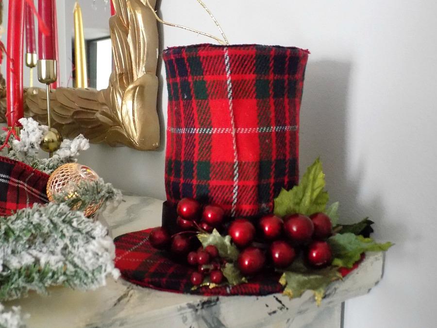 Ημίψηλα καπέλα χριστουγεννιάτικα στολίδια, κόκκινο καρώ καπέλο