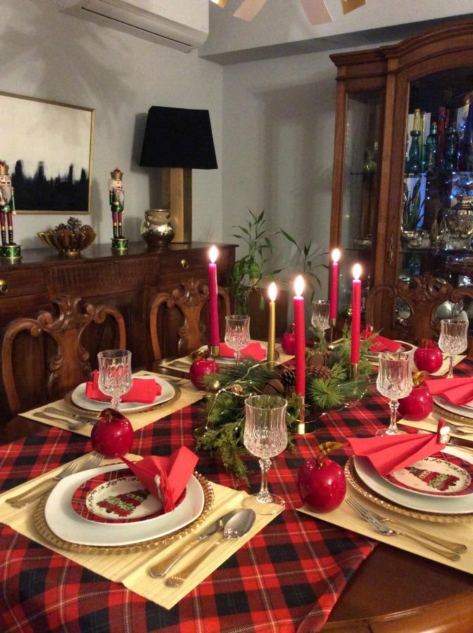 Παραμονή Πρωτοχρονιάς στο τραπέζι | How to lay the perfect New Year's Eve table