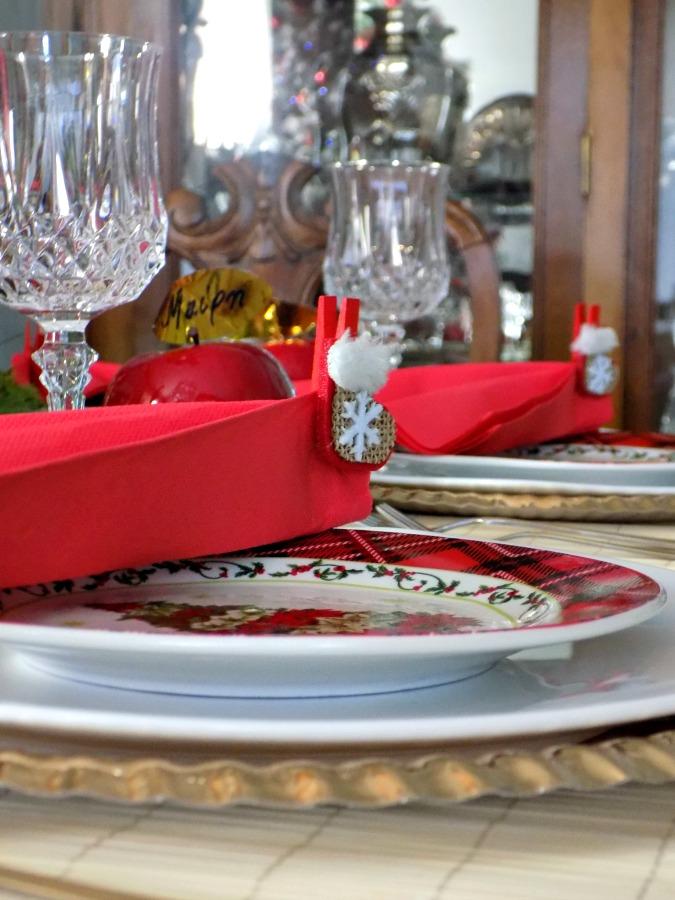 Πως να στρώσεις ένα όμορφο τραπέζι για την παραμονή της Πρωτοχρονιάς