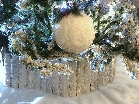 Χιονισμένος φράχτης ποδιά δέντρου diy