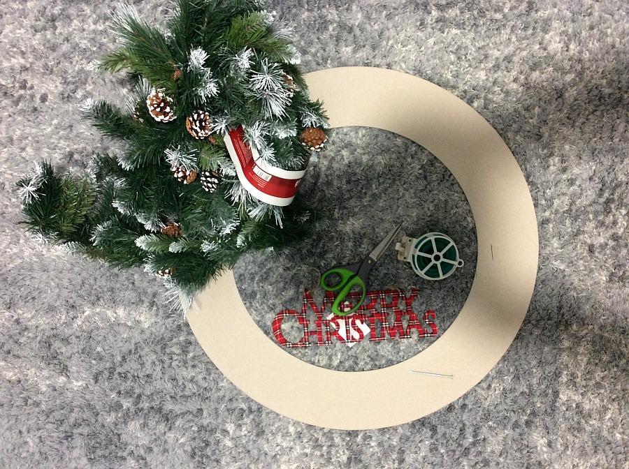 XXL στεφάνι για τα Χριστούγεννα, τι υλικά χρειάστηκα