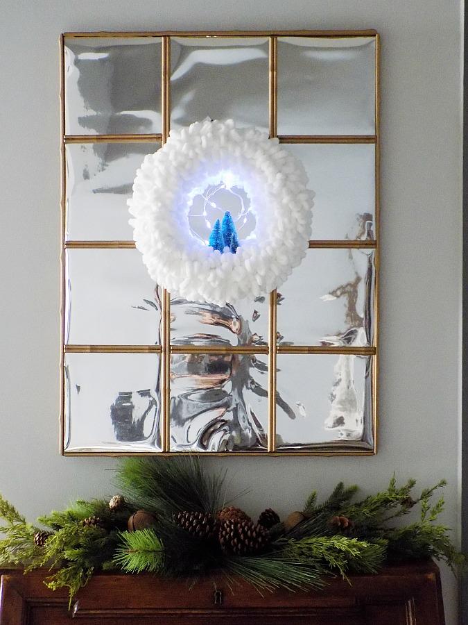 Το πιο εύκολο χριστουγεννιάτικο στεφάνι φτιαγμένο από αφράτο νήμα για πλέξιμο | Easy diy yarn loop wreath for Christmas