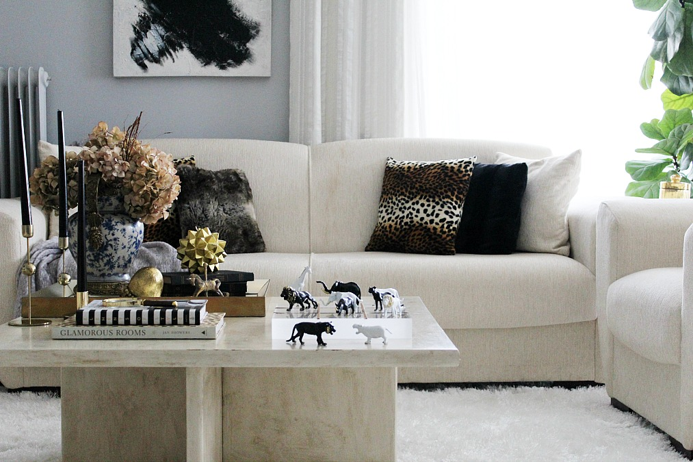Black and white animals tic tac toe diy, winter living room, fur pillows