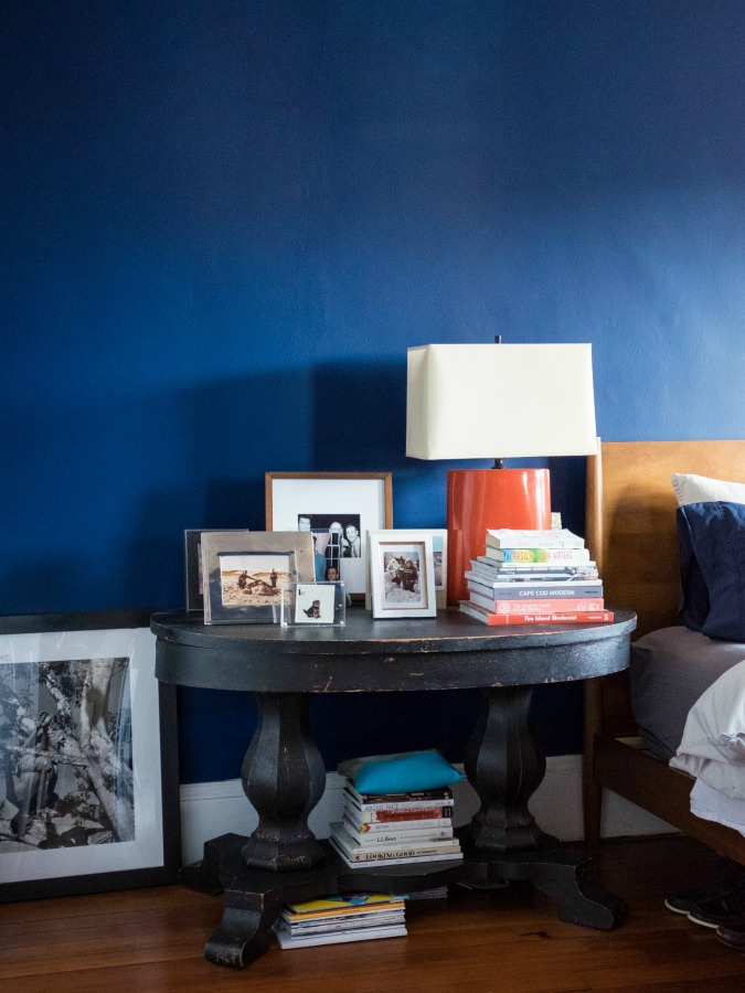 Classic blue color on the wall