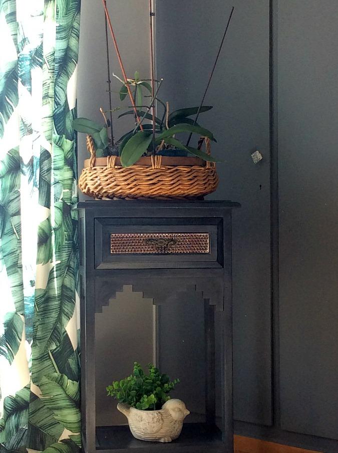 Flower orchids in basket | Δέκα τρόποι χρήσης των καλαθιών