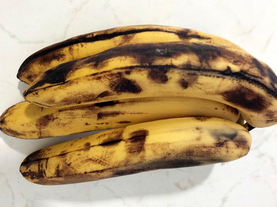 Μπανάνες πολύ ώριμες, φτιάχνω το πιο σοκολατένιο banana bread