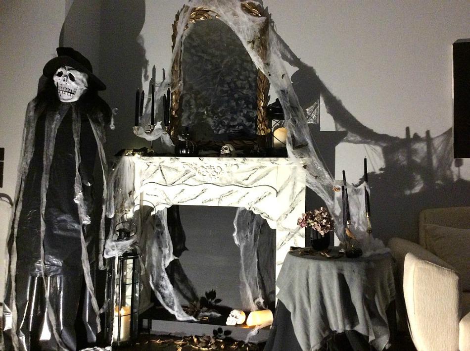 Διακόσμηση τζακιού για Halloween party