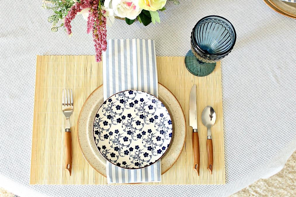 Πασχαλινό ανοιξιάτικο τραπέζι πως να το στρώσεις