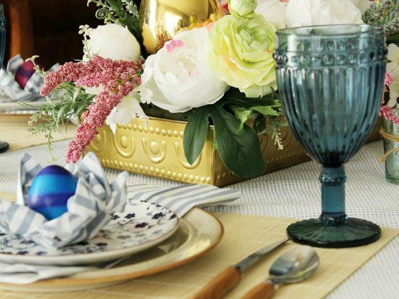 Πασχαλινό τραπέζι οδηγίες για το στρώσιμο του