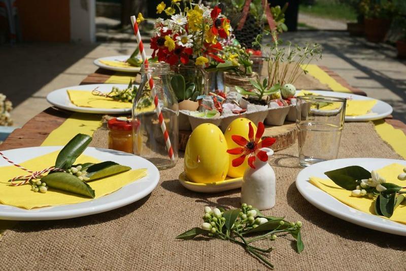 Πως να στρώσεις ένα οικογενειακό πασχαλινό τραπέζι