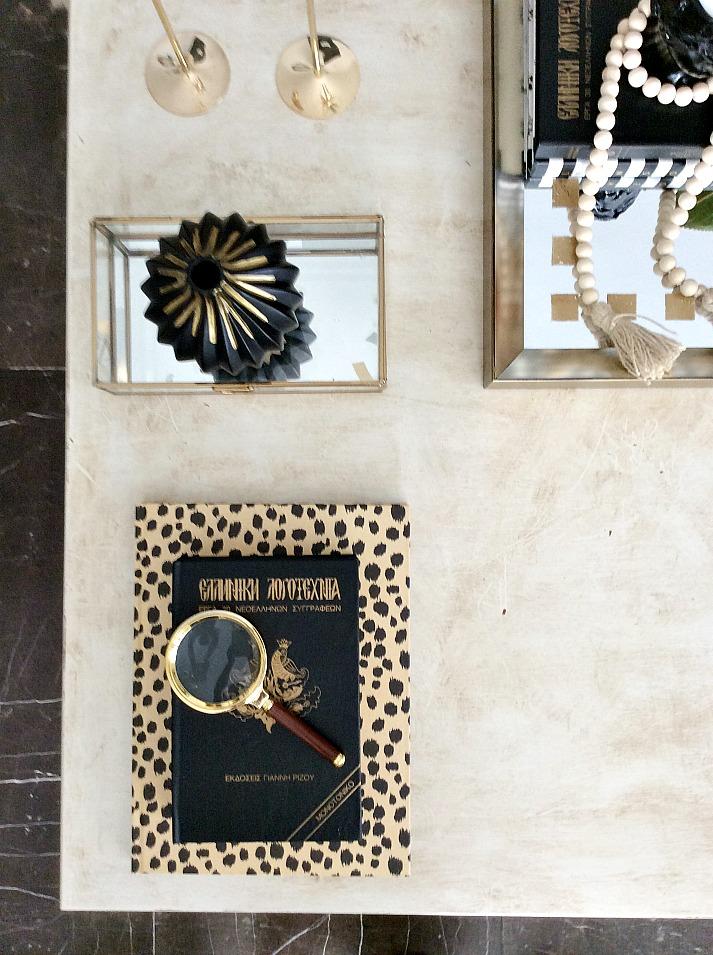 Βιβλία και διακοσμητικά, διακόσμηση τραπεζιού