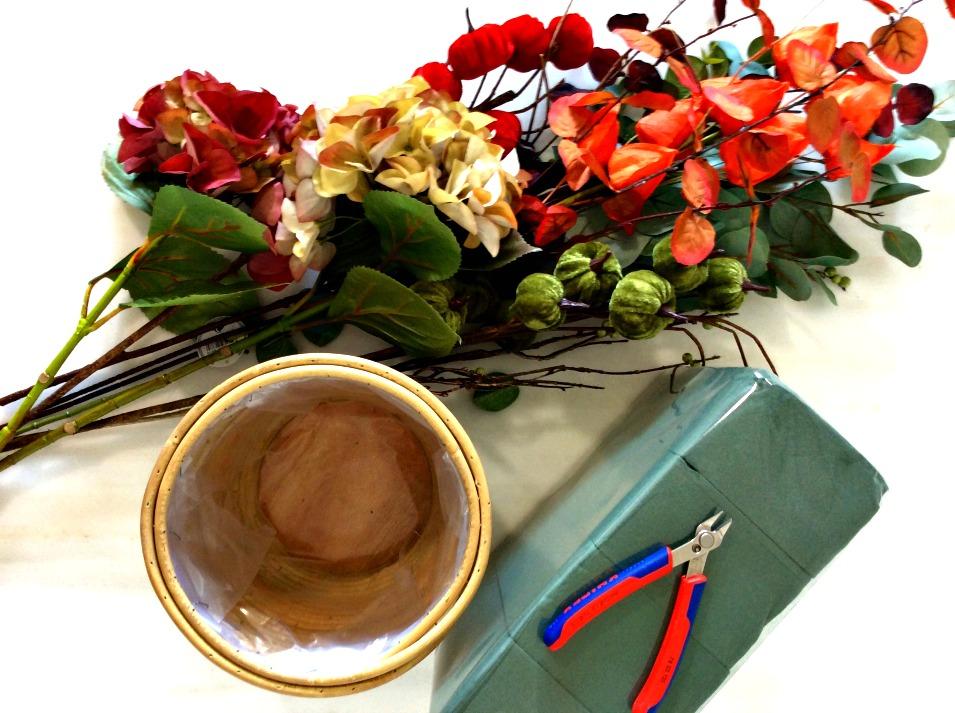 Υλικα για diy φθινοπωρινή σύνθεση λουλουδιών με faux λουλούδια